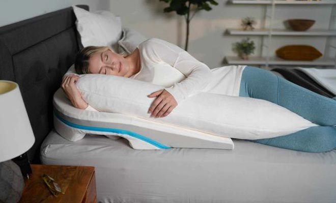 Pillow for side sleeping