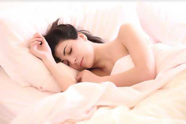 Sleeping better in a cold room