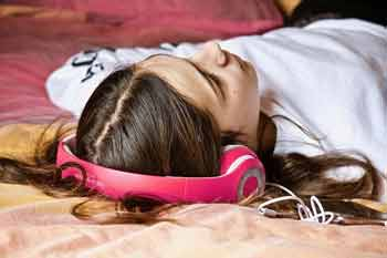 chill out music helps you sleep